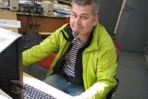 Tomáš Svoboda v redakci Kladenského deníku