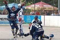 Hokejbalové oslavy - Alpiq Kladno potřetí mistrem