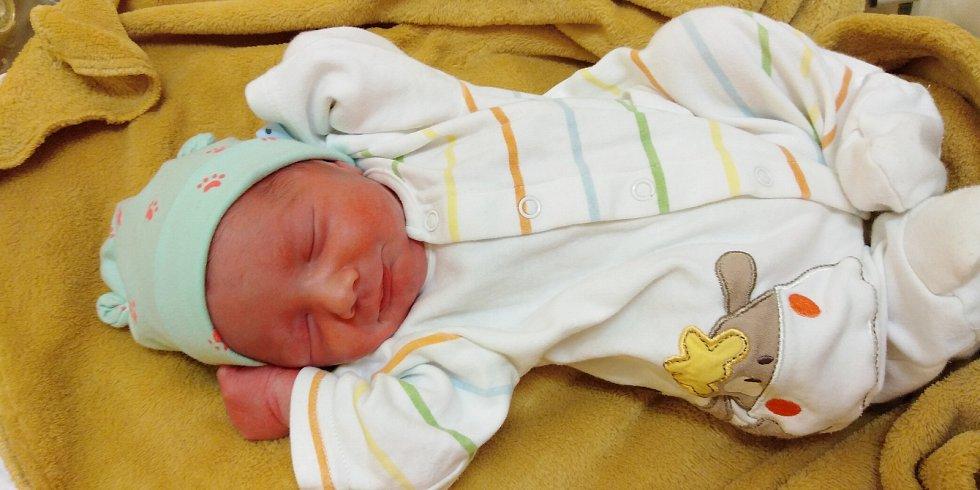 Samuel Jarmich přišel na svět 3. ledna 2021 v 0. 19 hodin v čáslavské porodnici. Vážil 2780 gramů a měřil 47 centimetrů. Domů do Opatovic si ho odvezli maminka Petra, tatínek Tomáš a sourozenci Marie, Matyáš a Tobiáš.