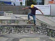 Po čtvrté závodili skateboardisté všech kategoriích ve skate parku Kladno při  Skate Punk Jam Vol 4. Foto: Jiří Skála