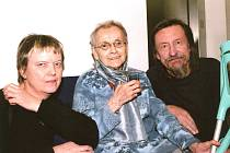 Kladenští vystavující: Jiřina Hankeová, Jitka Válová a Jiří Hanke.