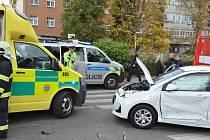 Nehoda dvou aut v Kladně na křižovatce ul. Fr. Foustky a 5. května.