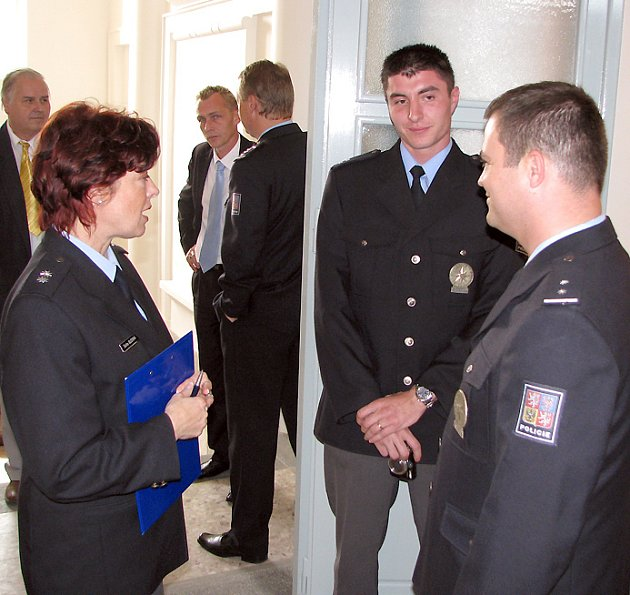 Nejvíce policistů bylo ve zlonické služebně vidět v den, kdy se slavnostně otevírala.