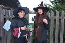 Na tuchlovickém pálení čarodějnic panovala pohodová atmosféra.