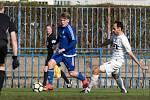 SK Slaný (v modrém) přehrál doma Poděbrady jasně 3:0.