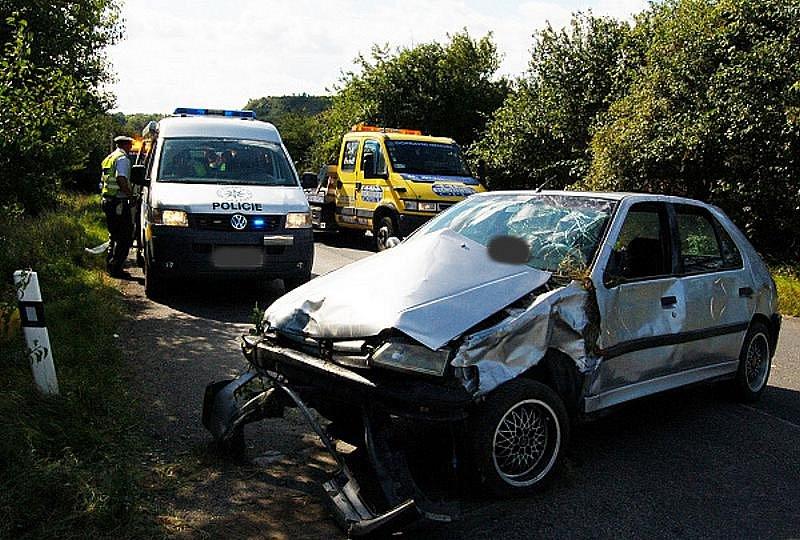 Nehoda Peugeotu 306 u Brandýsku, středa 14. září 2011