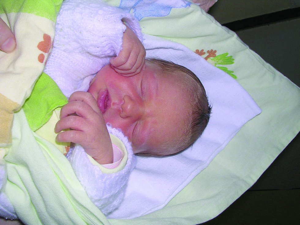 Karolína Pávková,  Louny. Narodila se 24. dubna 2012, váha 2,66 kg, míra 47 cm. Rodiče jsou Jitka Pávková a Jaroslav Pávek. (porodnice Slaný)