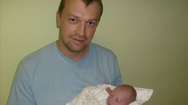 Alžběta Zajícová, Louny, 13.11.2008, váha 2,25 kg, míra 47 cm. Rodiče Tereza a Erik Zajícovi  (porodnice Slaný).