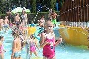 Kladenské letní koupaliště u Sletiště.