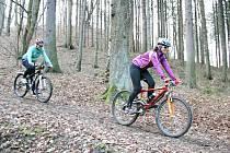 PŘEŽIMEJE! SURVIVAL RACE je akce pro dvojice na kole. Start se koná v sobotu ráno