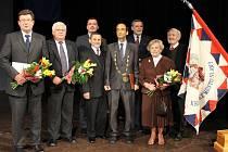 Zleva: Karel Svoboda, Bohumil Vašek, Karol Hevessy, starosta Ivo Rubík, Matylda Klapalová. Druhá řada: místostarosta Martin Hrabánek, místostarosta Jaroslav Hložek a Vladimír Jelínek.