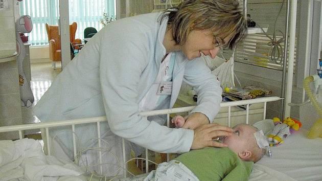 Na dětském oddělení kladenské nemocnice působí 54 zdravotních sester.