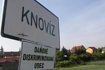 Starostové některých obcí na Kladensku se zapojili do celorepublikového protestu.  Pod cedule, které označují začátek obce, vyvěsili tabulku Daňově diskriminovaná obec.