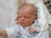JAKUB KOS, UNHOŠŤ. Narodil se 2. prosince 2018. Po porodu vážil 3,37 kg a měřil 50 cm. Rodiče jsou EVA Kosová a Roman Kos. Bráška Tomáš. (porodnice Kladno)