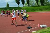 Děti ze speciálních škol a zařízení závodily ve Slaném na stadionu.