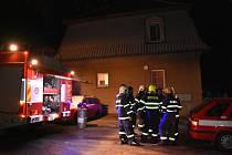 Požár v rodinném domě ve Zlonicích.