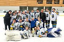 Hokejoví Rytíři Kladno, 9. třída, vyhráli výborně obsazený turnaj v Karlových Varech.