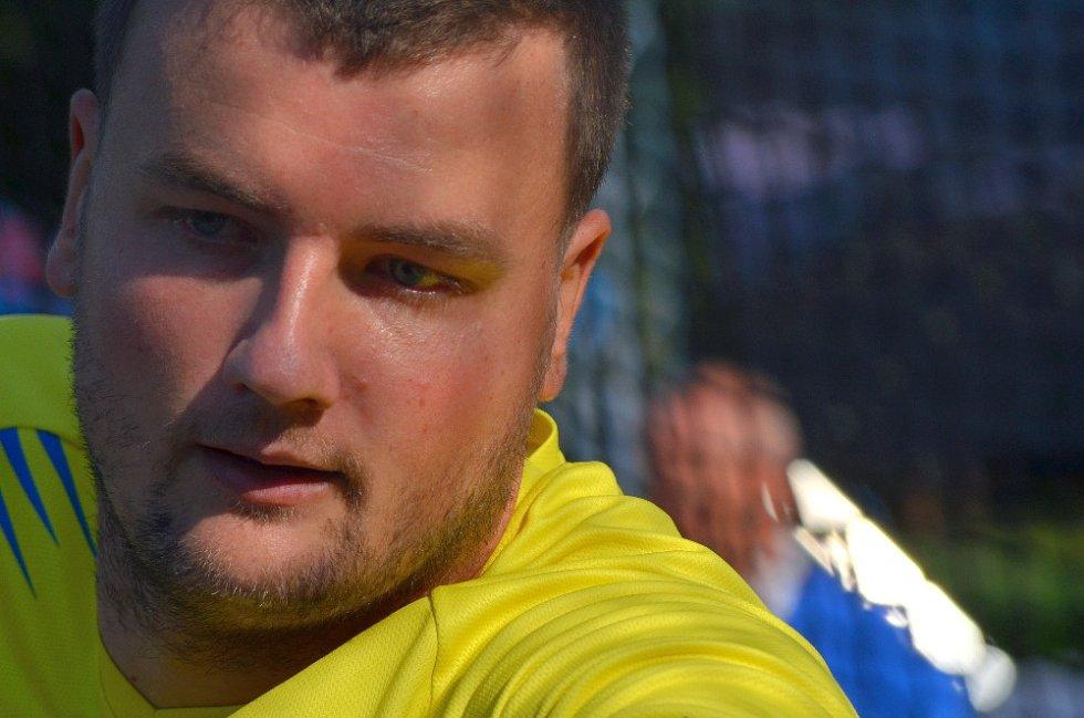 Tomáš Voňavka závodí celou kariéru ve žlutých kladenských barvách.