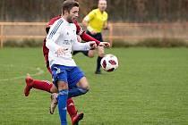 Derby v Srbech: Libušín(v červeném)  - Slaný 1:4. Tomáš Vimr