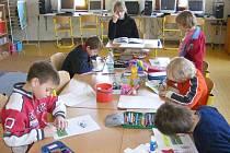 Podle názoru ředitelky Základní a Mateřské školy Pod Budčí v Zákolanech  je výhodou škol s menším počten dětí individuální přístup k žákům.