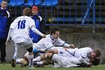 Rouček zvyšuje na konečných 2:1, radost domácích //  SK Kladno - Králův Dvůr  2:1 (0:1) , utkání 16 k. CFL. ligy 2011/12, hráno 26.11.2011