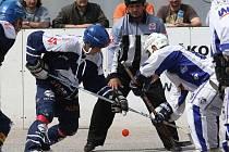 Rozhodující třetí zápas vyhrál Alpiq (v modrém) v Ústí nad Labem 3:0
