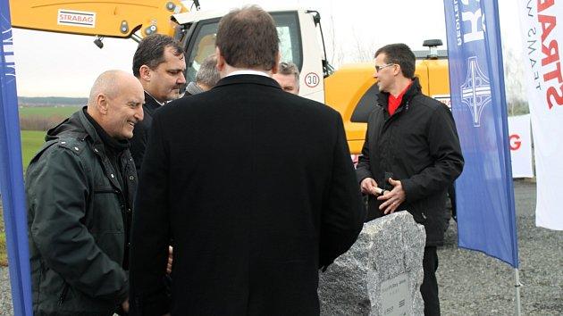 Poklepání na základní kámen přeložky silnice I/16 Slaný - Velvary