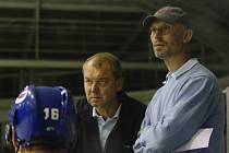 Trenéři Kladna Zdeněk Müller (vlevo) a Petr Kasík