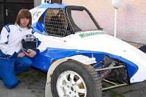 Martin Plachy se svou novou buginou s motorem Kawasaki 600.