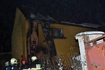 V rodinném domě ve Vraném hořelo, požár vypukl v rozvodné skříni.