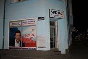 Na základně SPD v Kladně jsme v sobotu večer nikoho nenašli. S lídrem se nám spojit nepodařilo