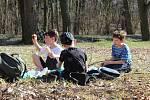 Členové spolku Proledce! přivítali jaro a uklidili lázně.