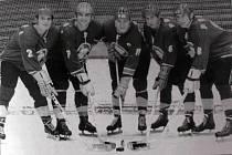Opory hokejového Kladna v sezoně 1970/71, kdy tým postoupil do semifinále play off: zleva Jaroslav Vinš, Eda Novák, František Pospíšil, Milan Nový a Luboš Bauer.