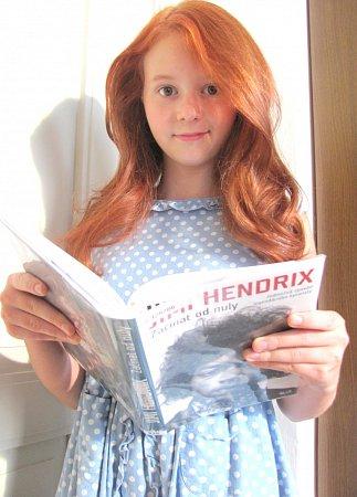 Dětskou roli jedné zhlavních postav – Lindy, ve filmu ztvárňuje Vladimíra Havlíčková. Čipernou dívku diváci znají například ze seriálů Ordinace vRůžové zahradě, Cesty domů nebo První republika. Hrála také ve filmu Chytrost nejsou žádné čáry.