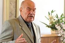 Autor knihy Srpnové dny 1968 ve Slaném, zasloužilý bojovník proti komunismu Vladimír Horák.