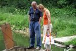 Úhyn ryb v rybníku Nohavice v Doksech.
