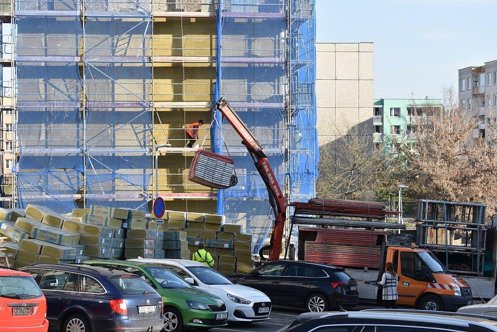 Zateplování dvou městských bytových domů ve Vikově ulici ve Slaném.