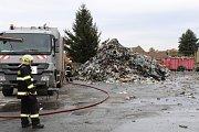 Požár ve firmě Rumpold v Kamenných Žehrovicích.