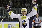 Tomáš Kaberle slaví branku // HC Rytíři Kladno - HC Oceláři Třinec 4:5,  ELH 2013/14, hráno 4.10. 2013