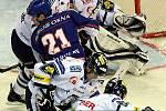 Hokejová extraliga: Liberec - Kladno 2:1, Radek Bělohlav před Leinonenem