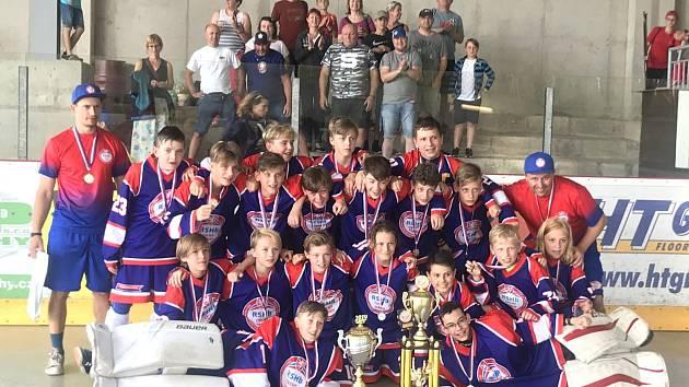 Středočeský výběr hokejbalistů složený z hráčů Berouna a Kladna vyhrál celorepublikový turnaj.