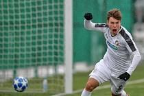 Lukáš Pihrt se raduje z gólu na hřišti CSKA Moskva.