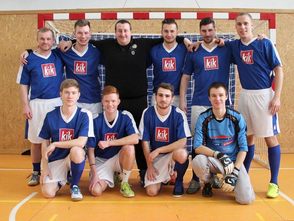 Velký turnaj SKFS rozhodčích se odehrál v Unhošti, vyhrál Mělník. Tým Kladno SKFS