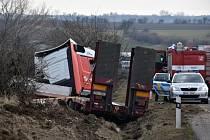 Nehoda kamionu u Slaného.