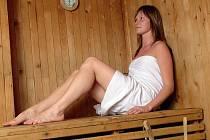 Teplo už nebudou muset Kladeňáci hledat třeba v sauně. chladné počasí uspíšilo začátek topné sezony v největším středočeském městě.
