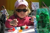 Den Země v pátek děti oslavily v kladenském středisku Labyrint.