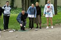 Sedmý ročník turnaje ve hře pétanque se v sobotu konal v Kladně.