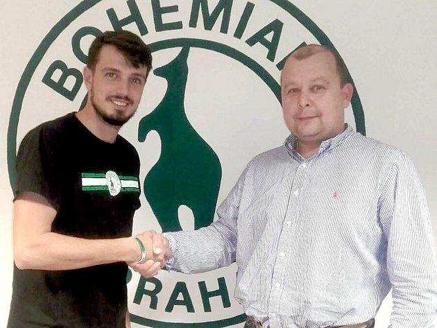 Předseda fotbalového Slovanu Velvary David Vedral (vpravo) sšéfem ligových Bohemians Praha Darkem Jakubovičem. Oba kluby spolupracují už roky.