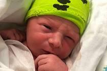 Benjamin Liška se narodil v příbramské porodnici 22. ledna 2021 v 11:30. Po narození vážil 2870 g a měřil 47 cm. S maminkou Anetou Stehlíkovou a tatínkem Janem Liškou bude bydlet ve Velké Hraštici.