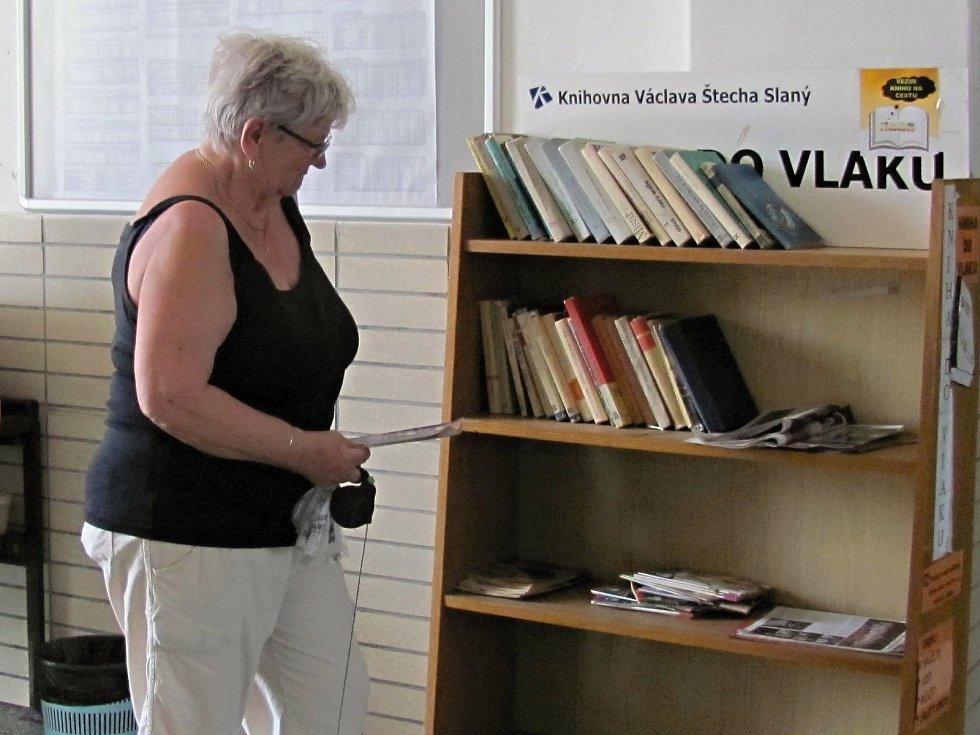Projekt Kniha do vlaku se těší velké oblibě i na Kladensku.